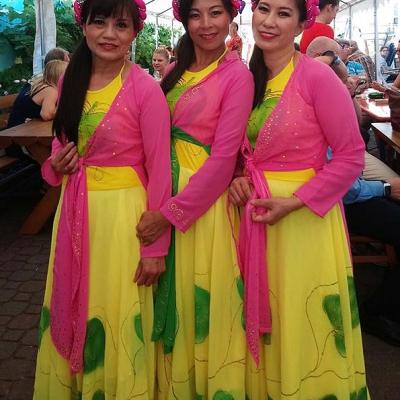 Drei Sängerinnen 1a Asia Abend - Die kleine Kneipe Lämmerspiel