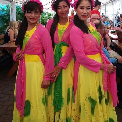 Drei Sängerinnen 1b Asia Abend - Die kleine Kneipe Lämmerspiel