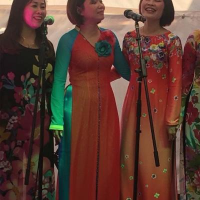 Drei Sängerinnen 2b Asia Abend - Die kleine Kneipe Lämmerspiel