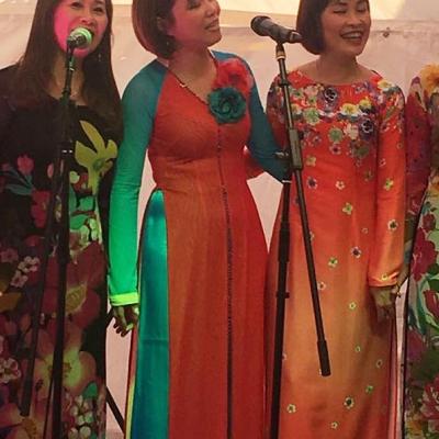 Drei Sängerinnen 2 Asia Abend - Die kleine Kneipe Lämmerspiel