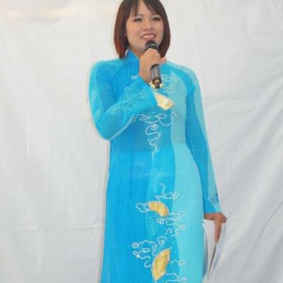 Moderatorin Asia Abend - Die kleine Kneipe Lämmerspiel