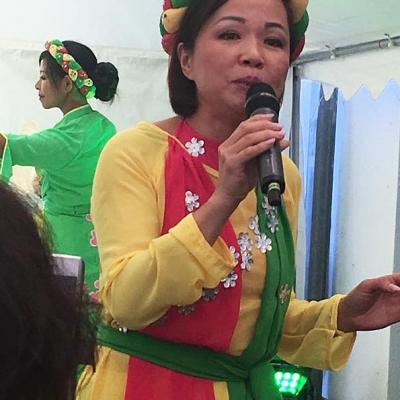 Sängerin und Tänzerin Asia Abend - Die kleine Kneipe Lämmerspiel
