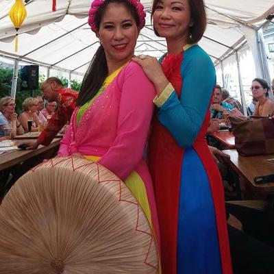 Zwei Asiatinnen und Thin 2 Abend - Die kleine Kneipe Lämmerspiel